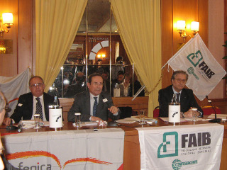 conferenza stampa carburante