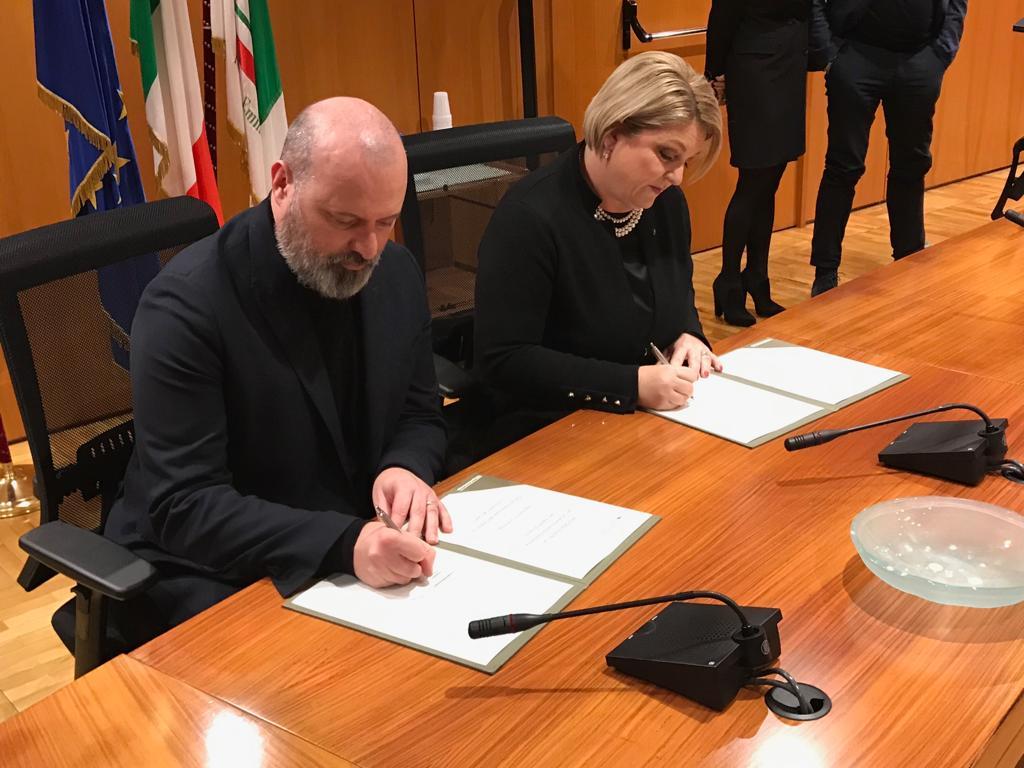Firma Calderone-Bonaccini