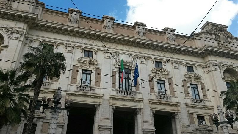 Ministero Istruzione facciata