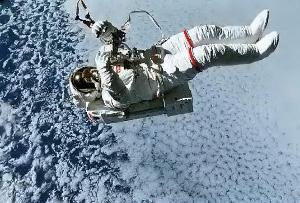 astronauta-in-volo