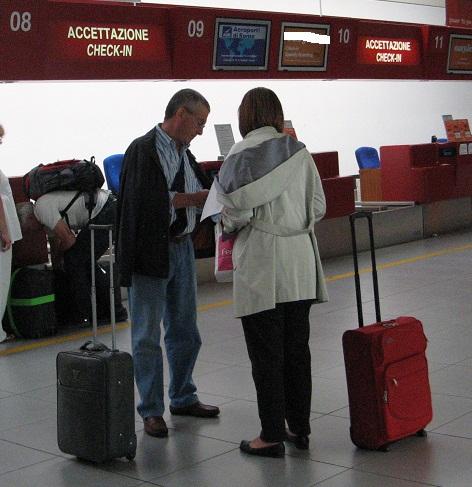 viaggiatori-in-aeroporto