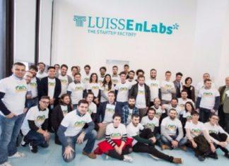 foto di gruppo start-up factory