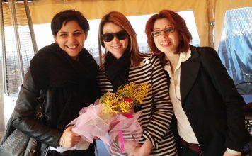 Annalisa e Silvia con Lucia Annibali (al centro)
