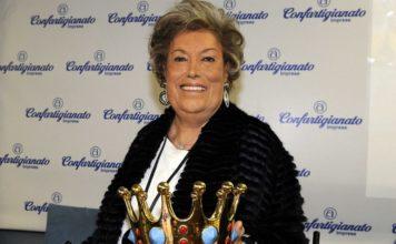 Carla Fendi con il premio Manlio Germozzi