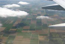 investitori esteri - veduta Italia da aereo