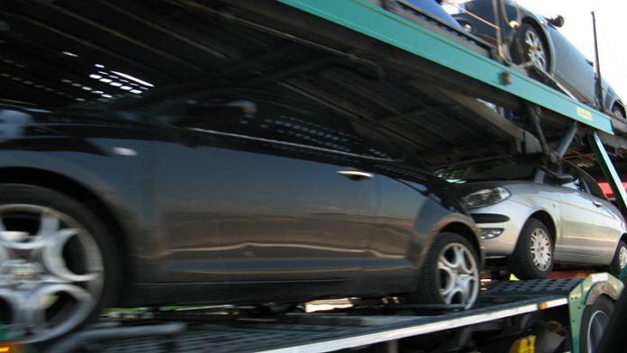 camion trasportatore auto