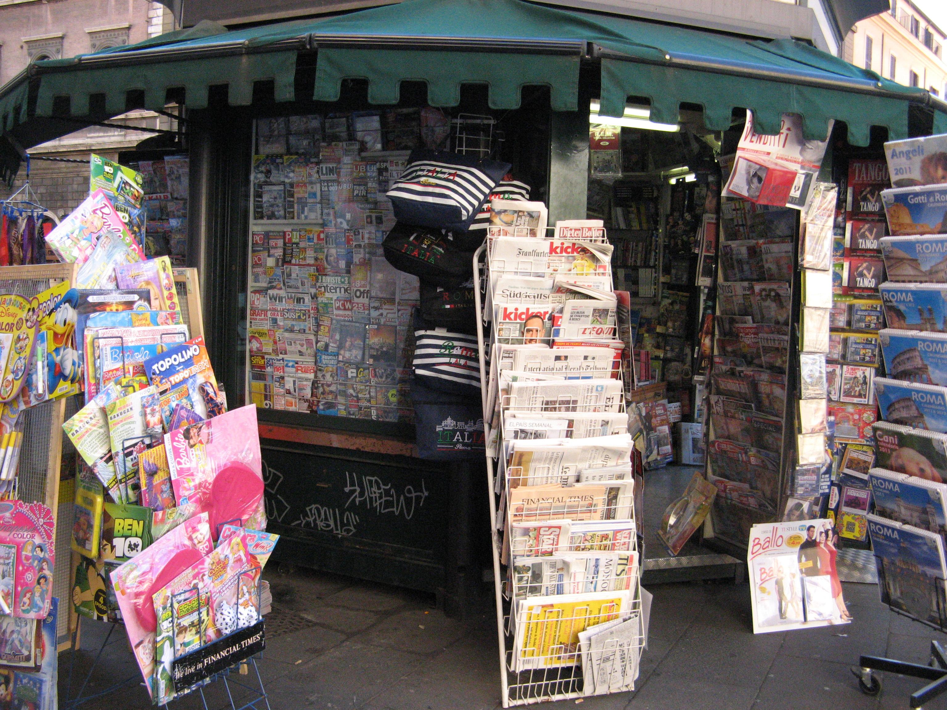 edicola con giornali anche esteri